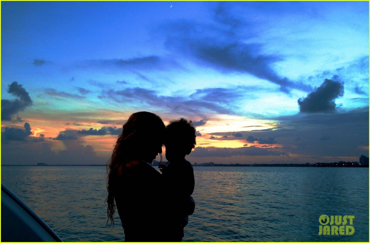 beyonce shares vacation photos with blue ivy 042908731