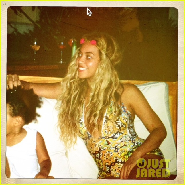 beyonce shares vacation photos with blue ivy 102908737