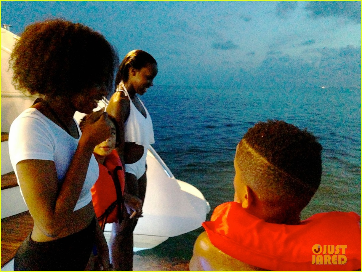 beyonce shares vacation photos with blue ivy 222908749