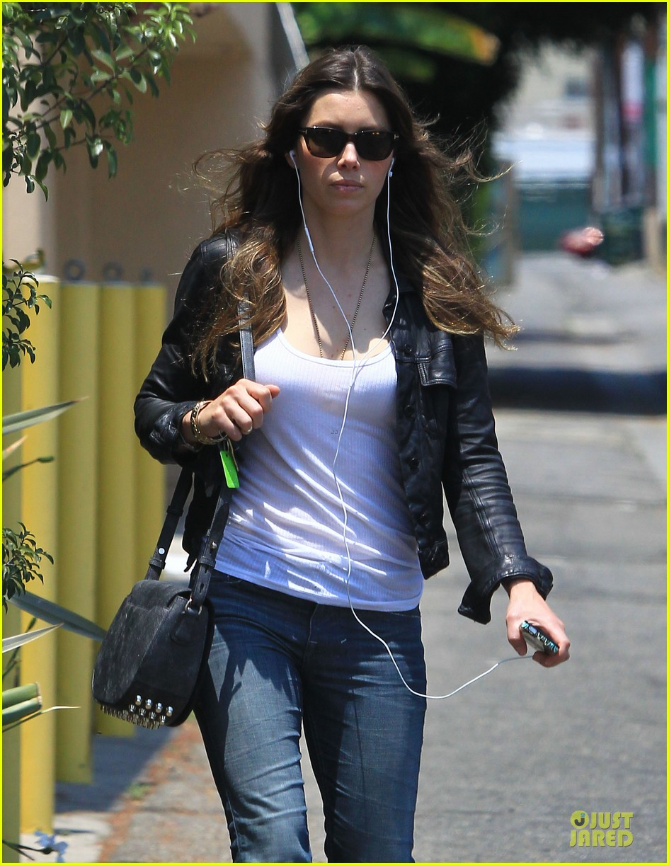 jessica biel summer leather love 022902304