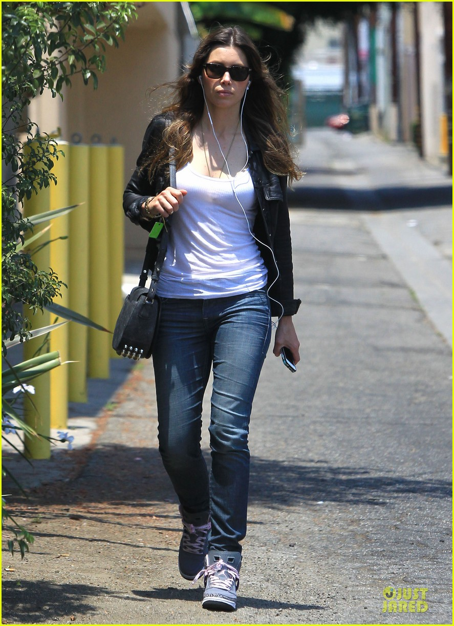 jessica biel summer leather love 092902311