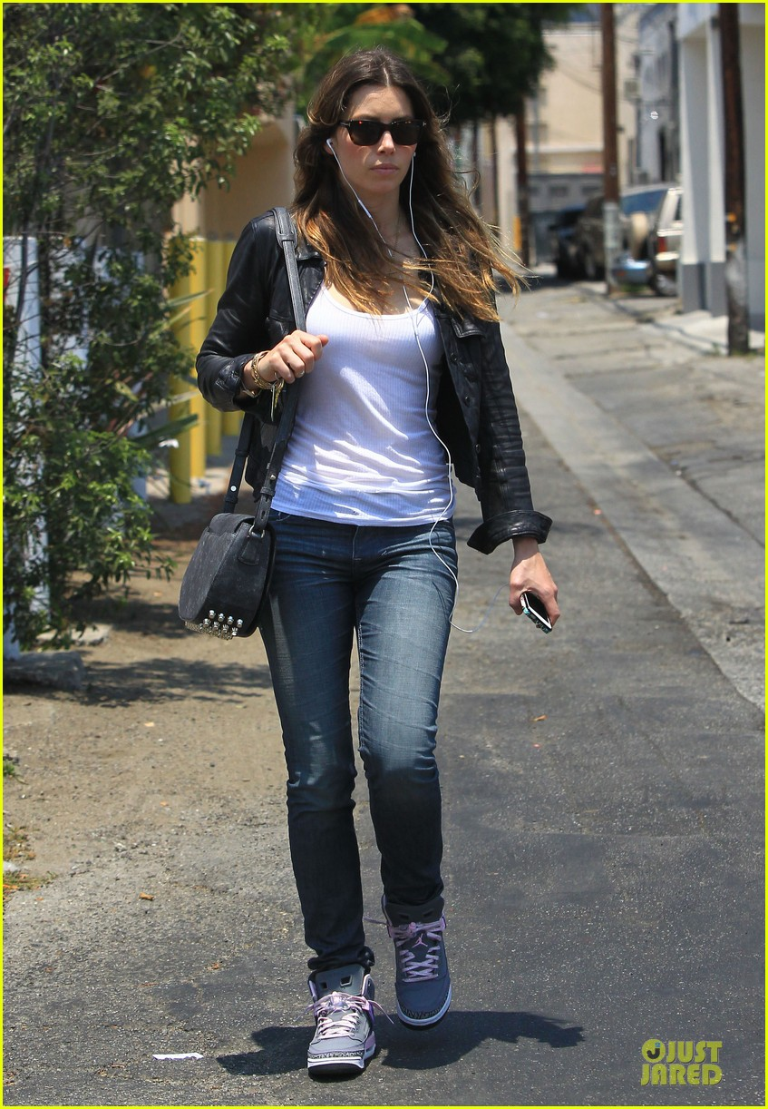 jessica biel summer leather love 142902316