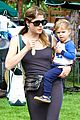 selma blair arthur choose healthy at farmers market 04