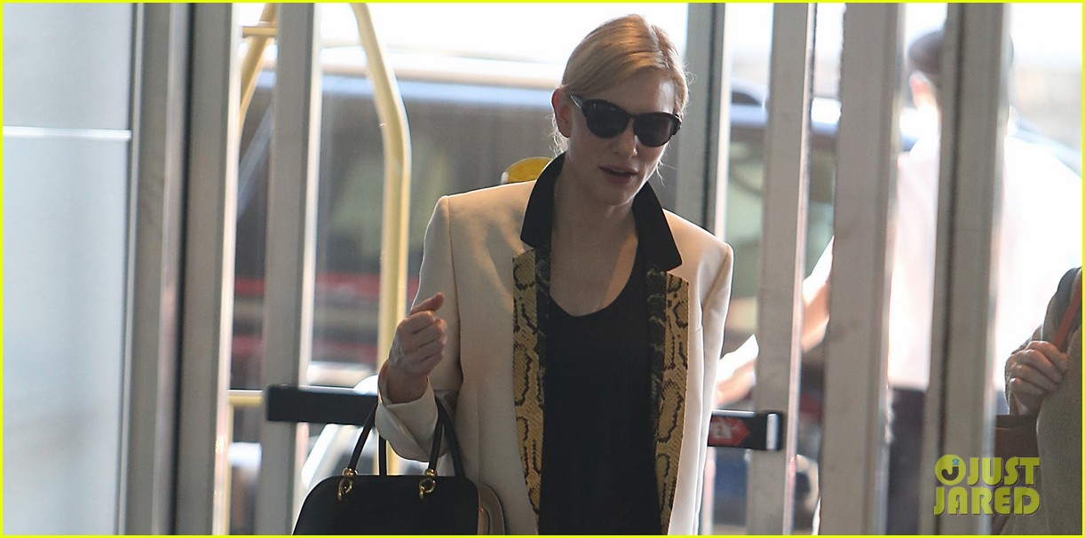 cate blanchett said yes to blue jasmine before reading script 042915819