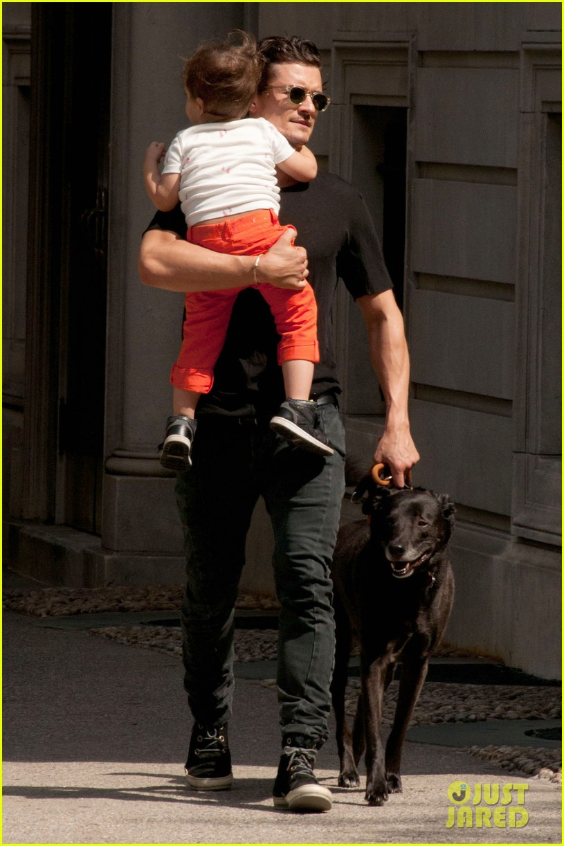 orlando bloom daddy day out with flynn 022905600