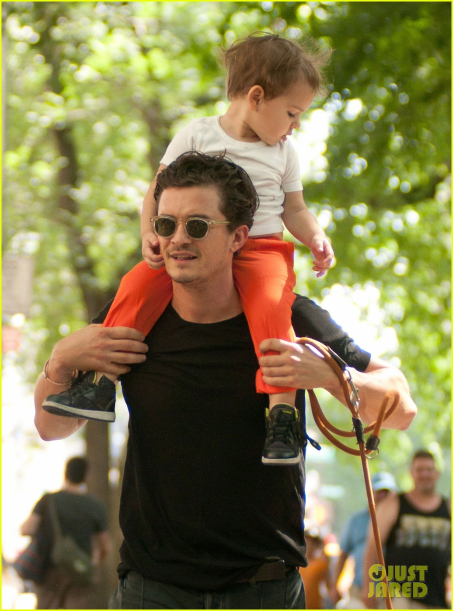orlando bloom daddy day out with flynn 032905601