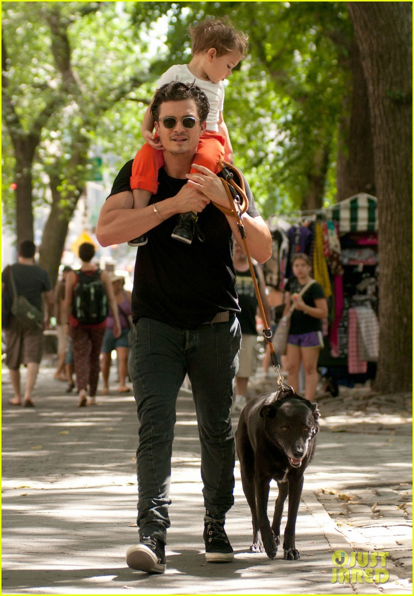 orlando bloom daddy day out with flynn 072905605