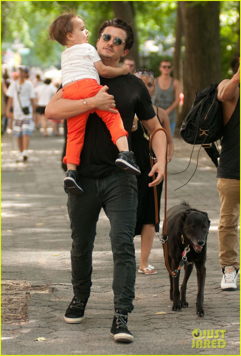 orlando bloom daddy day out with flynn 082905606