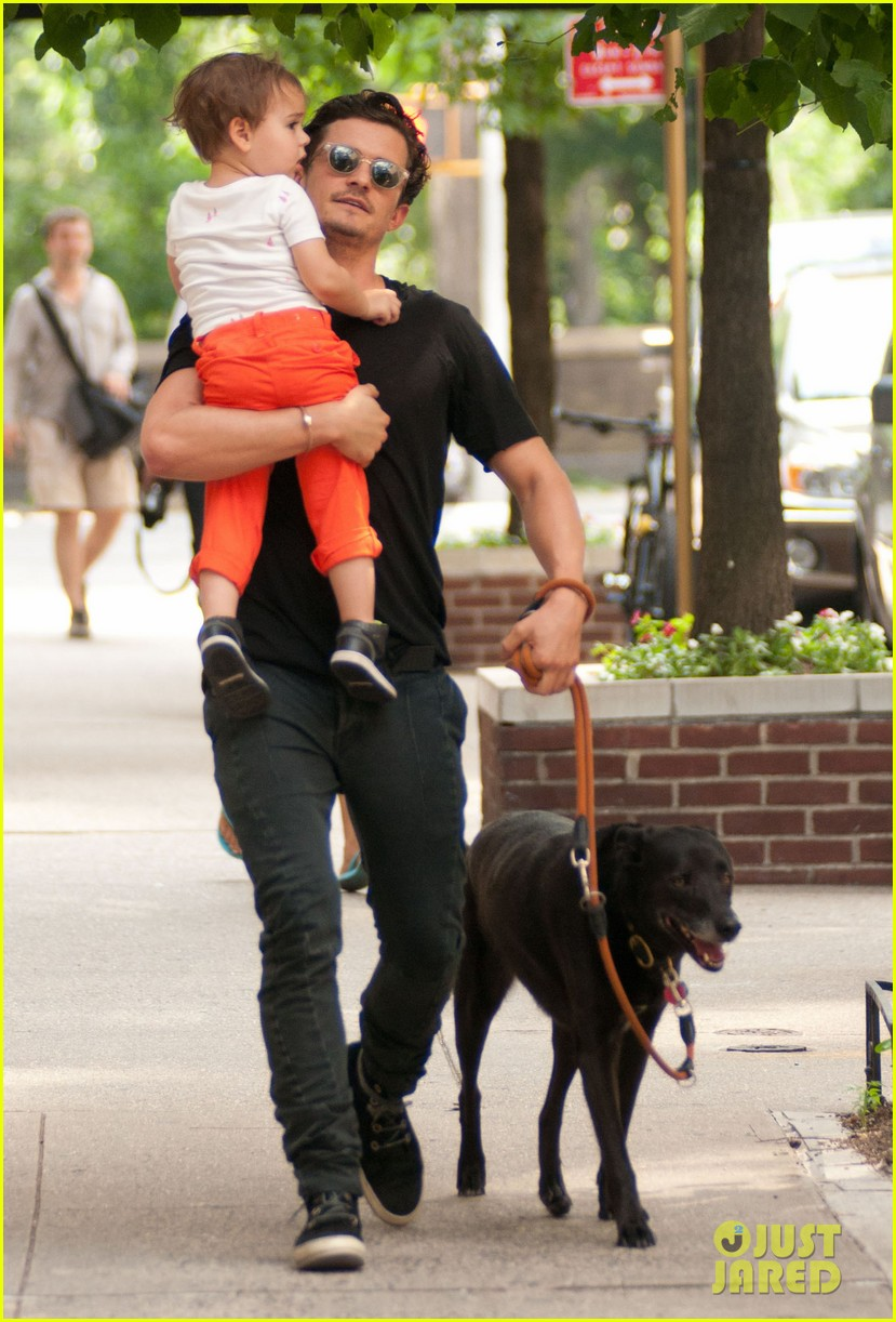 orlando bloom daddy day out with flynn 122905610