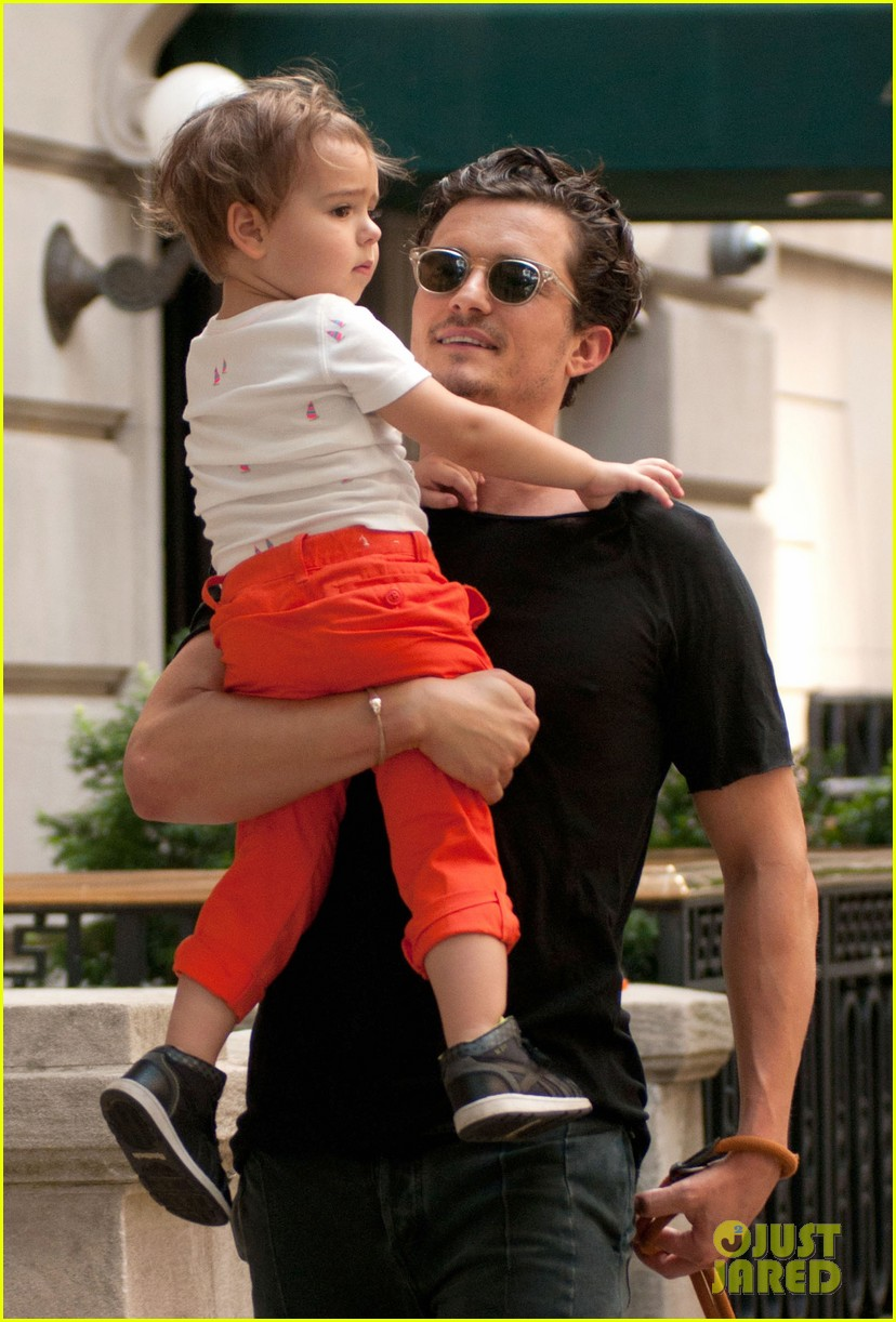 orlando bloom daddy day out with flynn 132905611