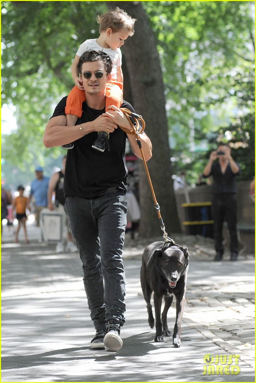 orlando bloom daddy day out with flynn 202905618