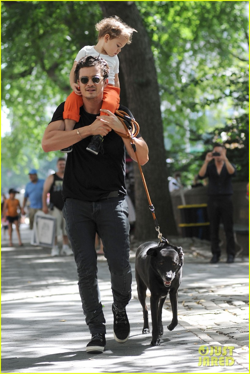 orlando bloom daddy day out with flynn 212905619