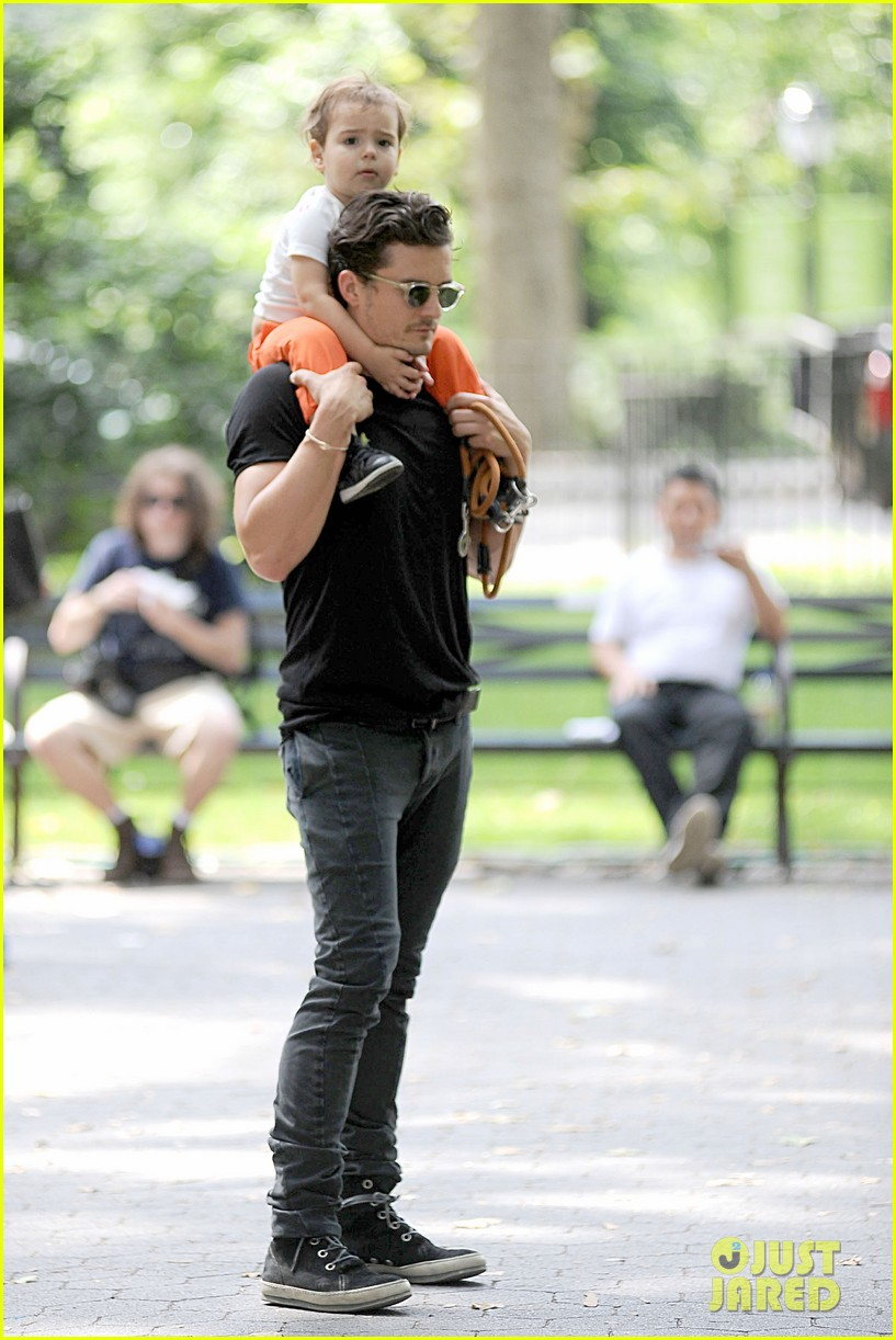 orlando bloom daddy day out with flynn 232905621