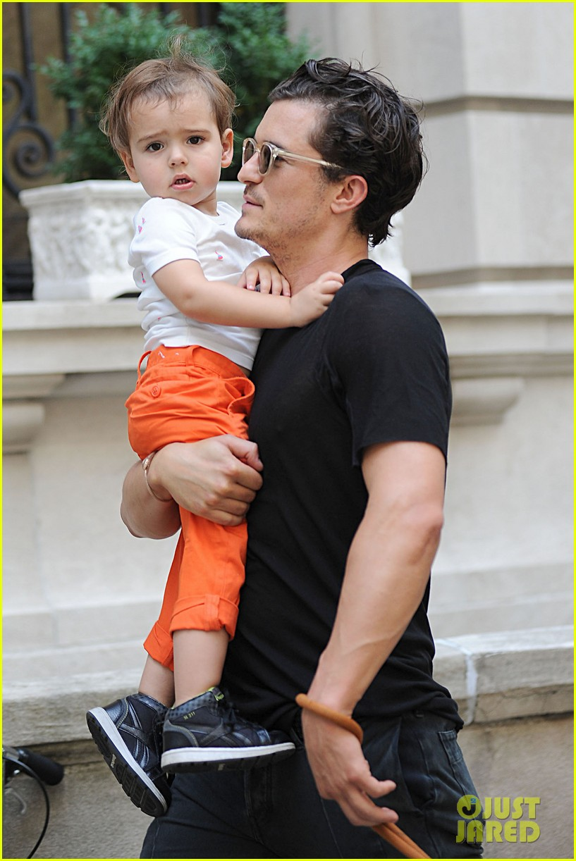 orlando bloom daddy day out with flynn 252905623