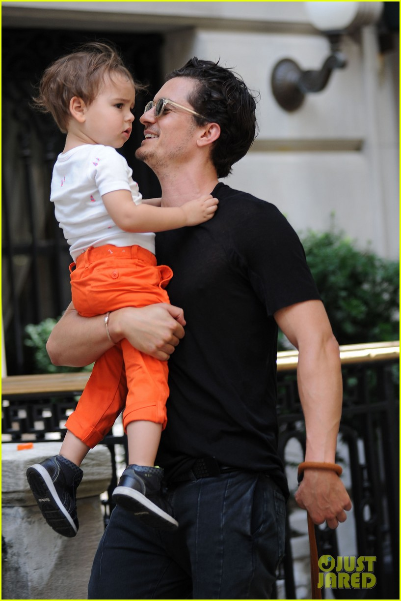 orlando bloom daddy day out with flynn 27