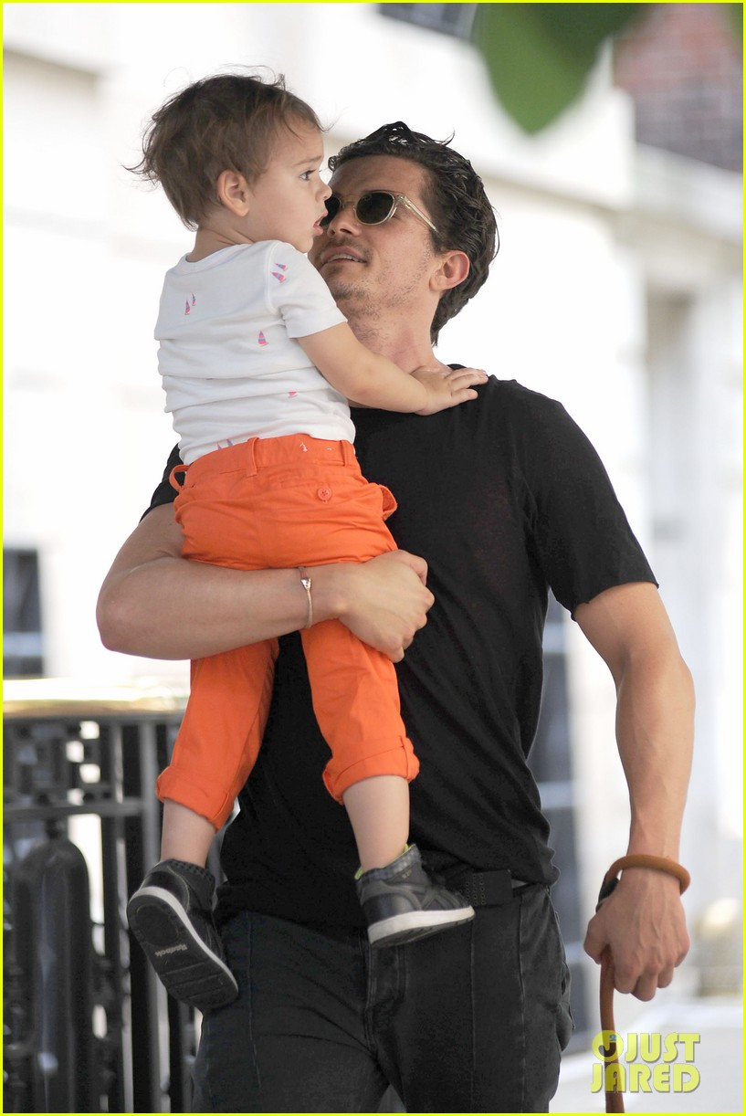 orlando bloom daddy day out with flynn 302905628