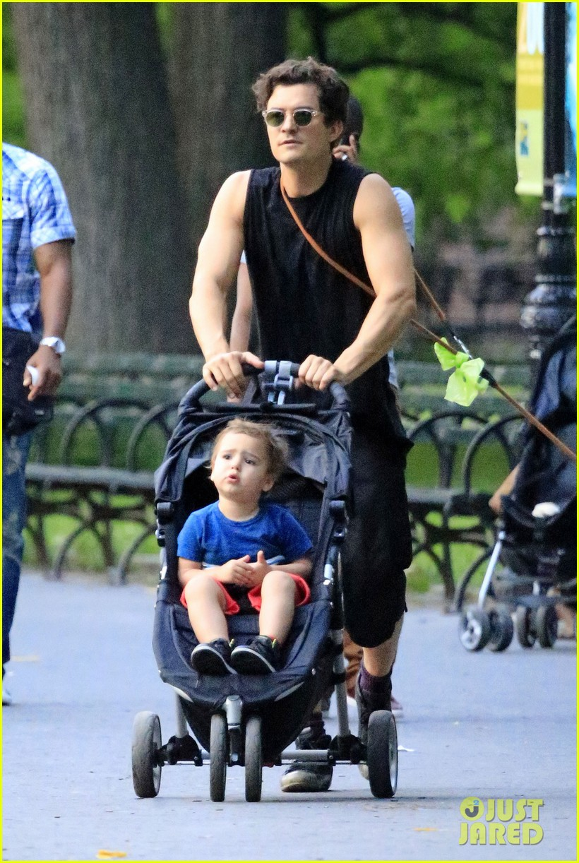 orlando bloom father son day with flynn 032907696