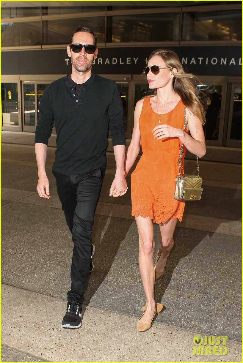 kate bosworth michael polish land at lax on july 4th 062904012