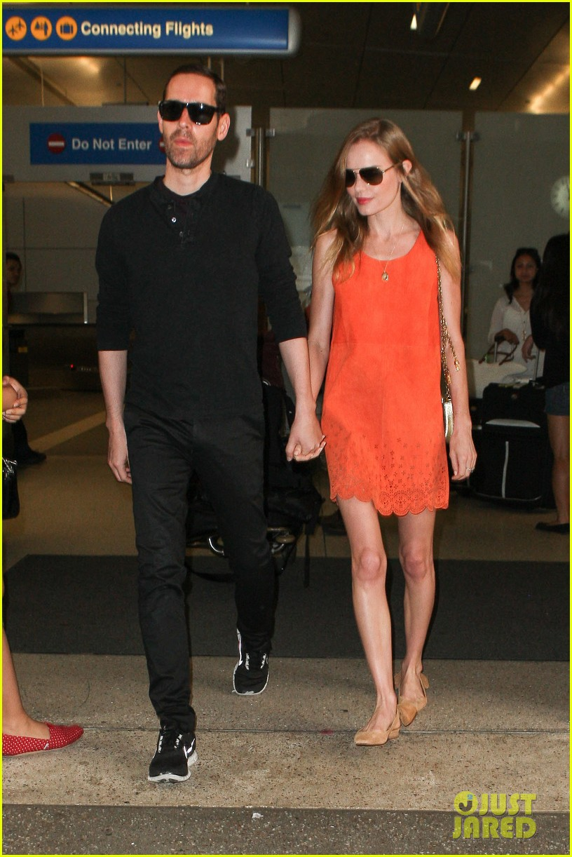 kate bosworth michael polish land at lax on july 4th 072904013