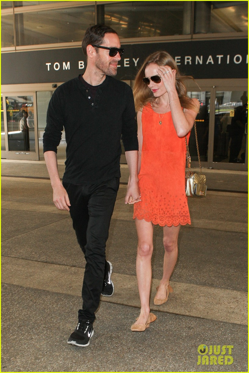 kate bosworth michael polish land at lax on july 4th 092904015