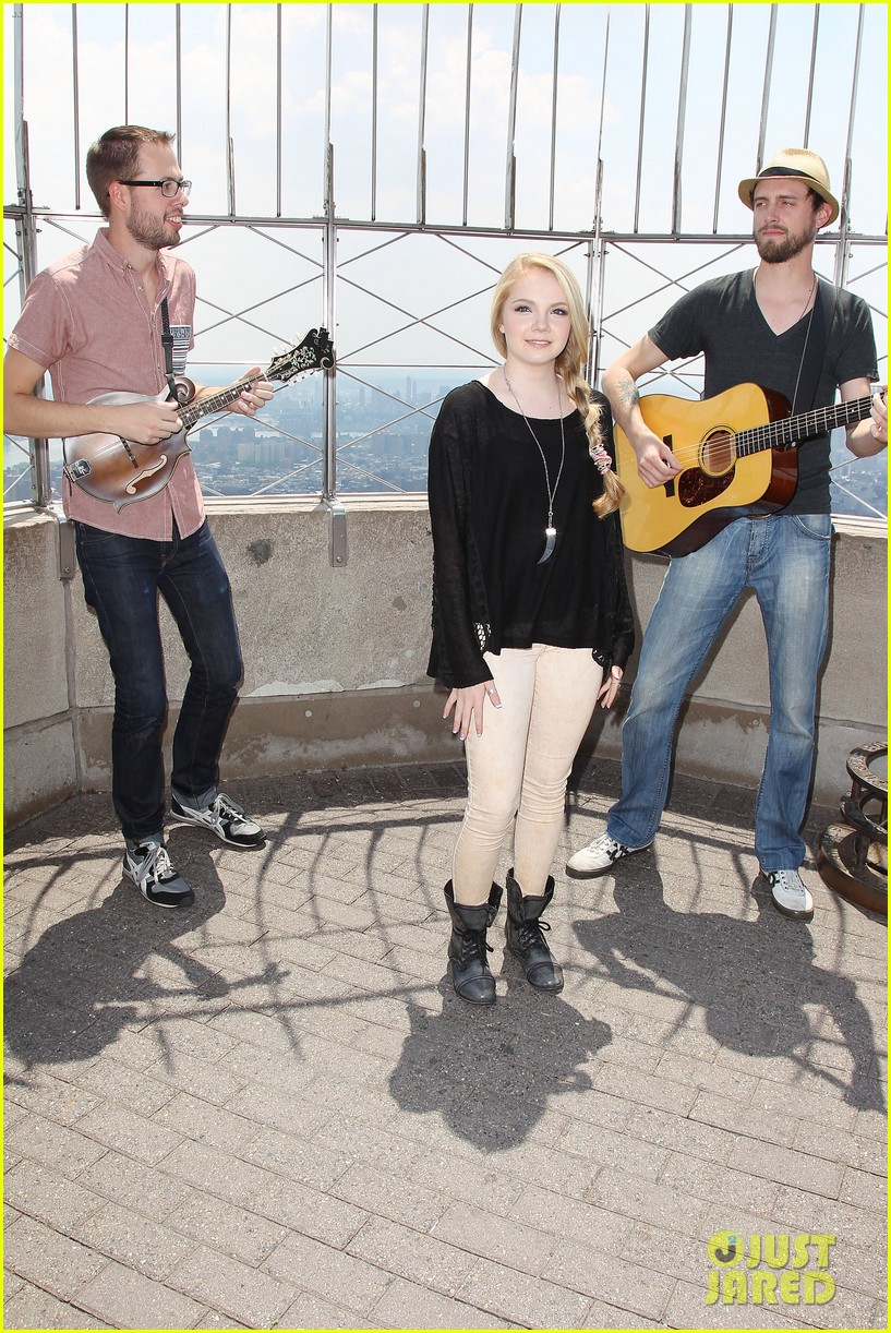 danielle bradbery debuts heart of dixie on the today show 202911366