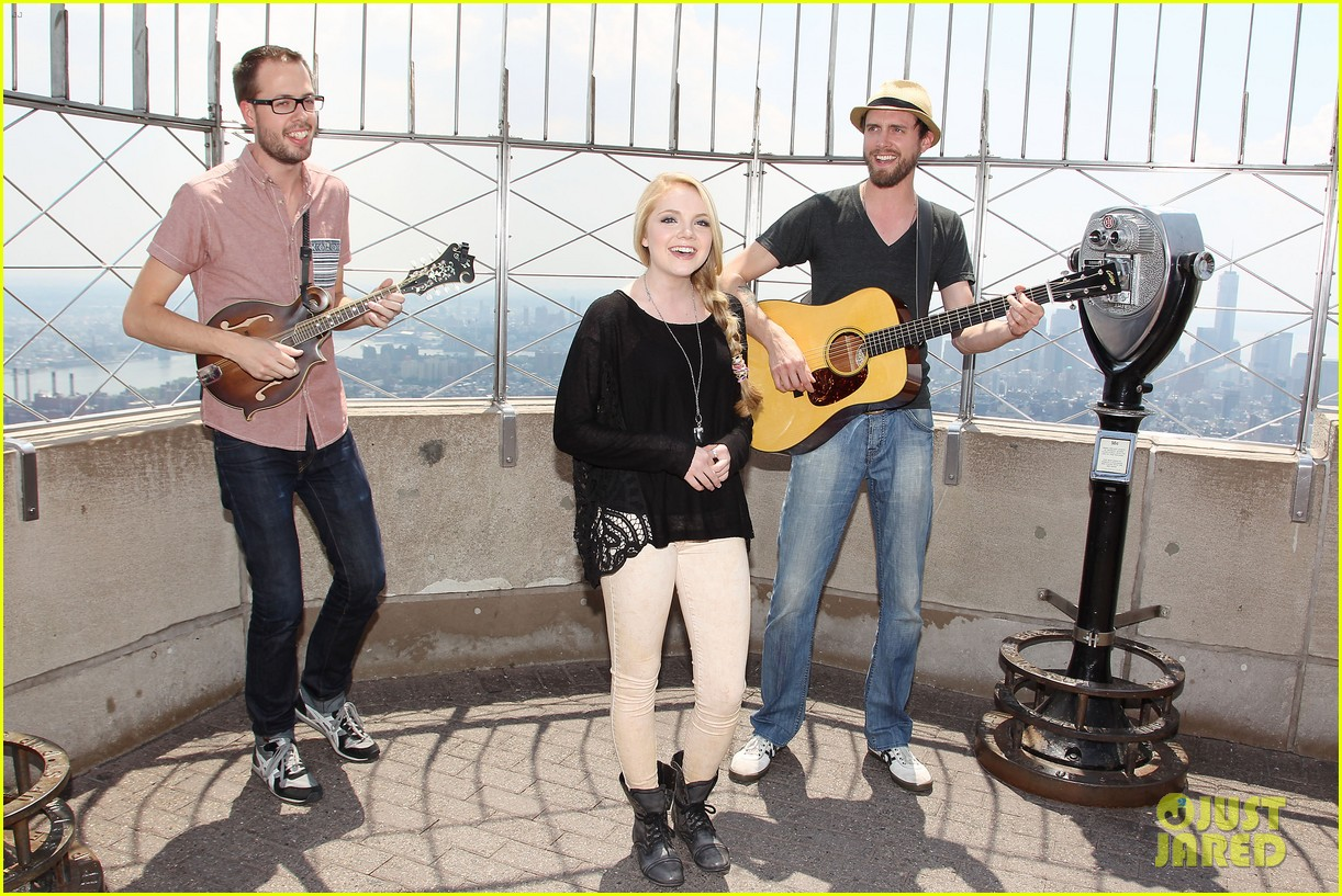 danielle bradbery debuts heart of dixie on the today show 232911369