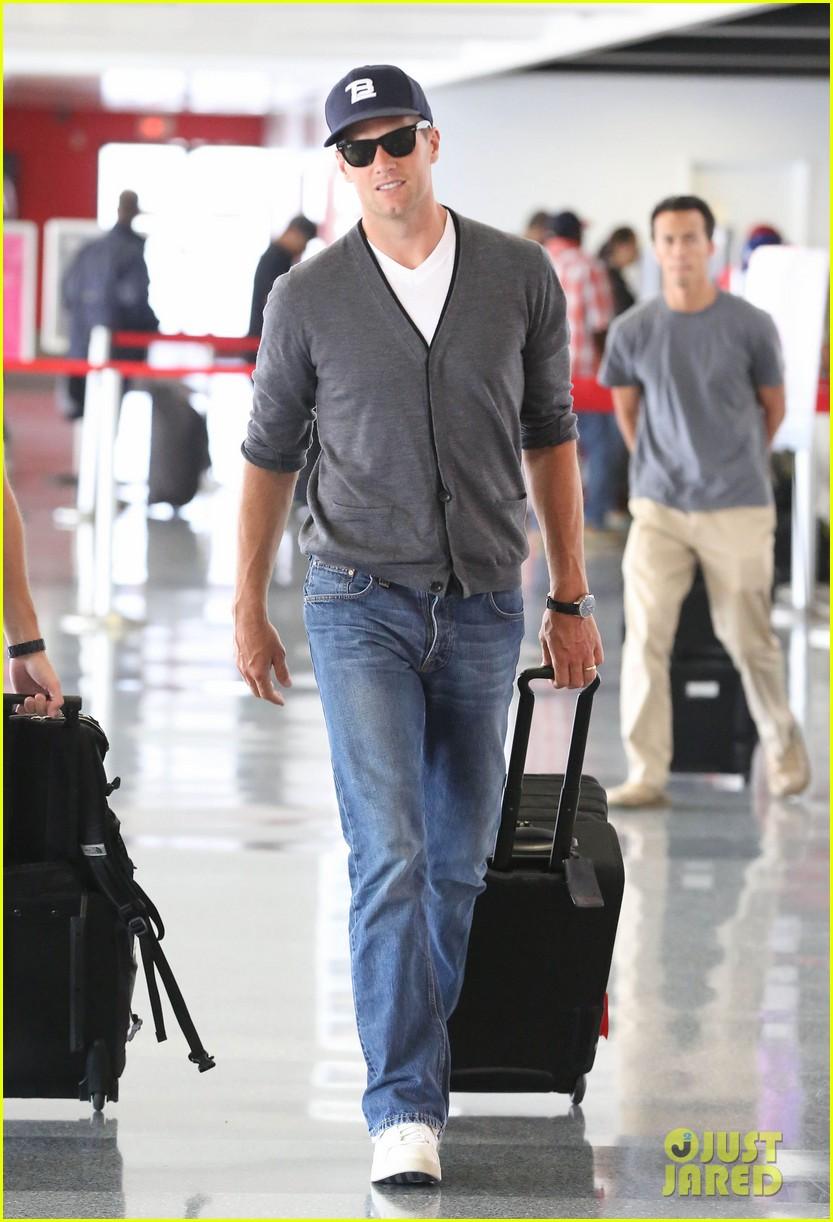 tom brady solo lax departure 012913765
