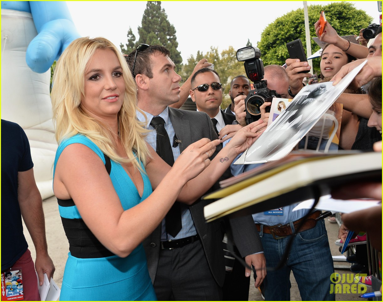 britney spears smurfs 2 premiere with sean preston jayden james 092918774