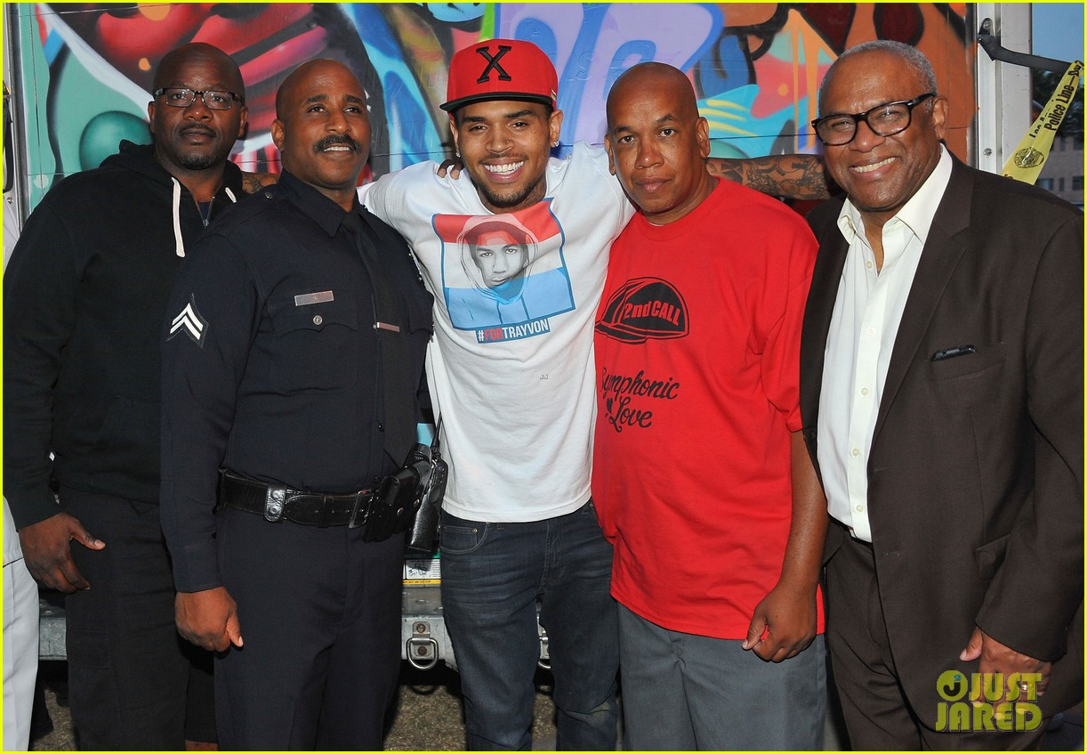 chris brown pleads not guity to hit run charges 222915936