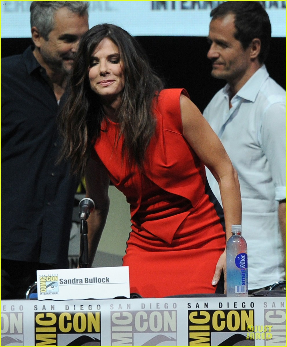sandra bullock gravity panel at comic con 032913038