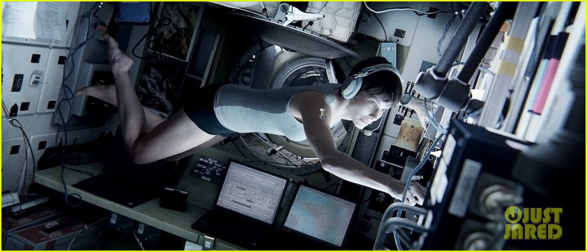 sandra bullock new gravity image released 032908110