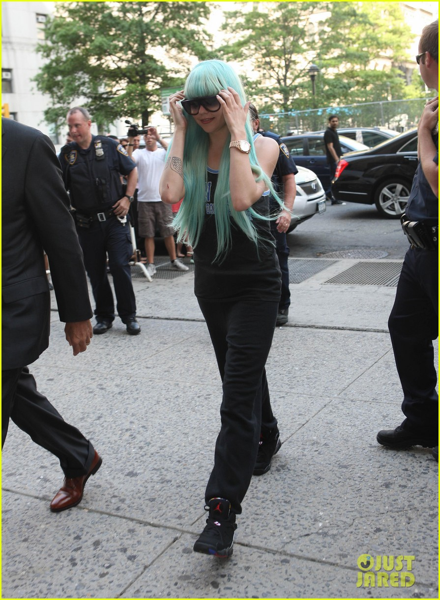 amanda bynes blue haired court appearance 052906459