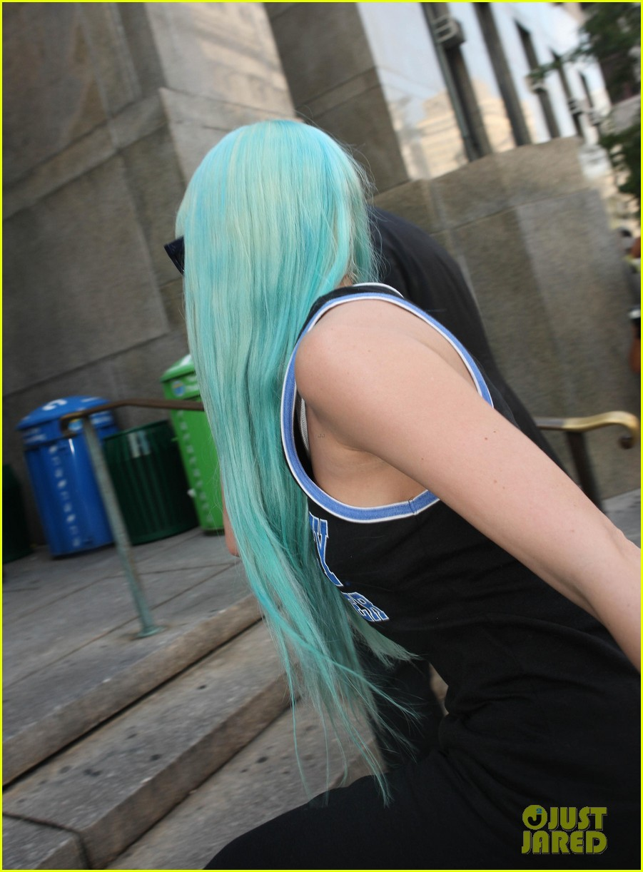amanda bynes blue haired court appearance 062906460