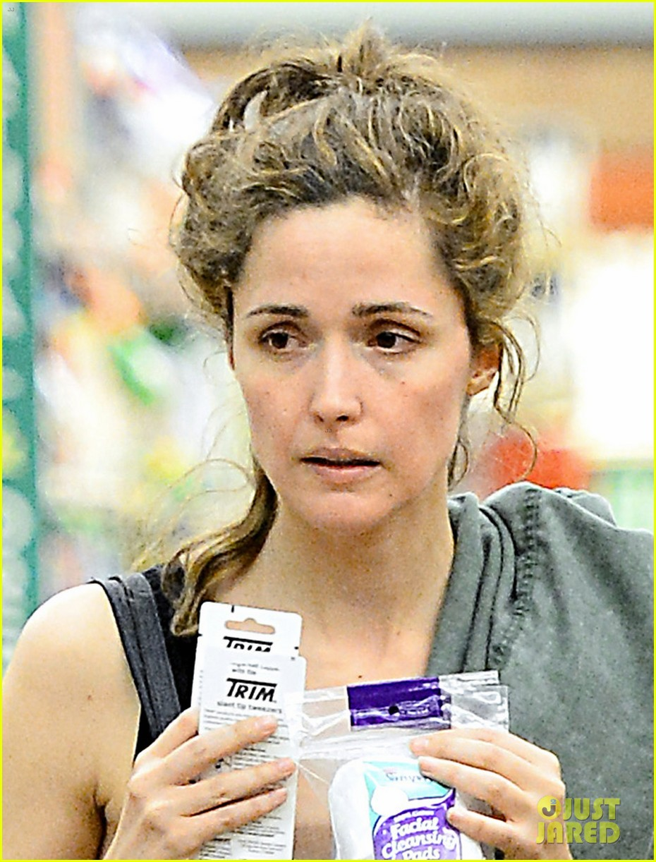 rose byrne steps out after annie casting news 042914655