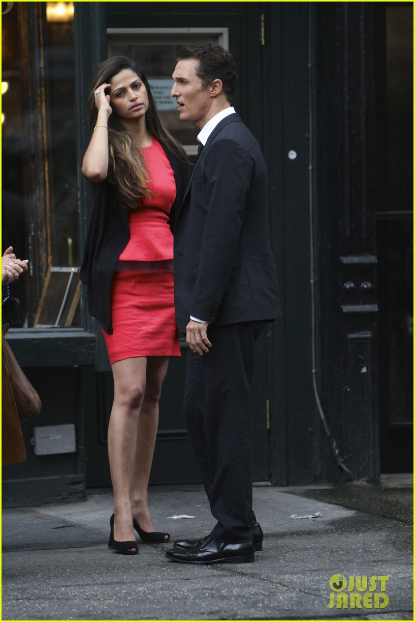 matthew mcconaughey camila alves nyc lovebirds 04