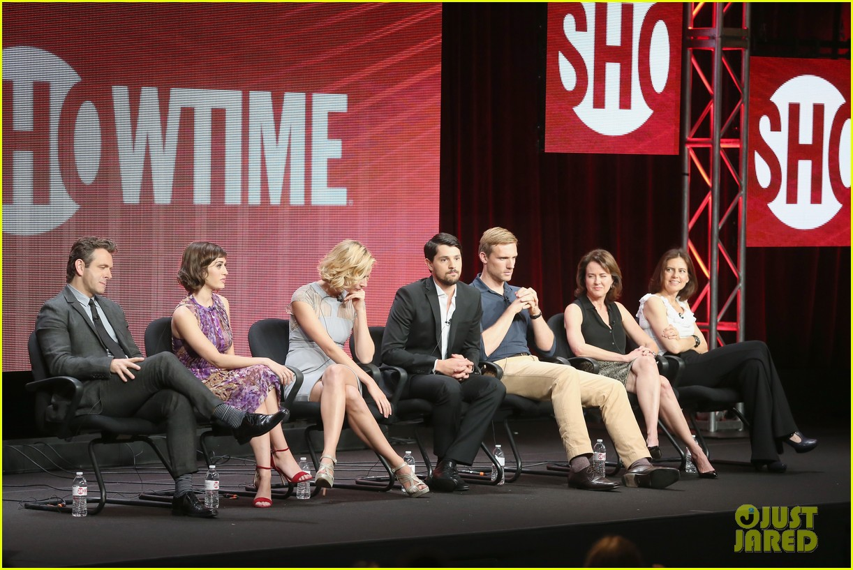 lizzy caplan michael sheen masters of sex tca tour panel 032920463