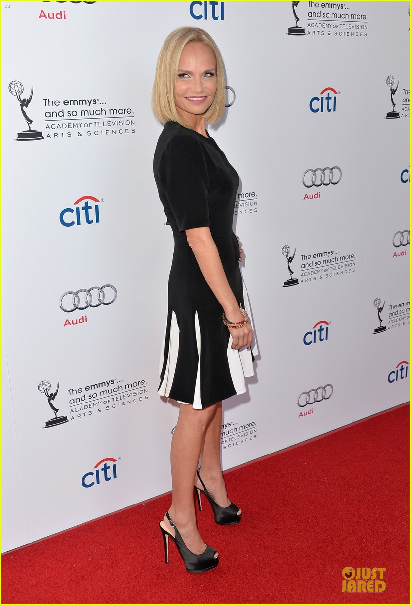 kristin chenoweth spends evening with carol burnett 052914934