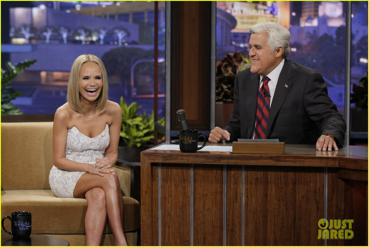 kristin chenoweth sings anthony weiner popular parody 012920560