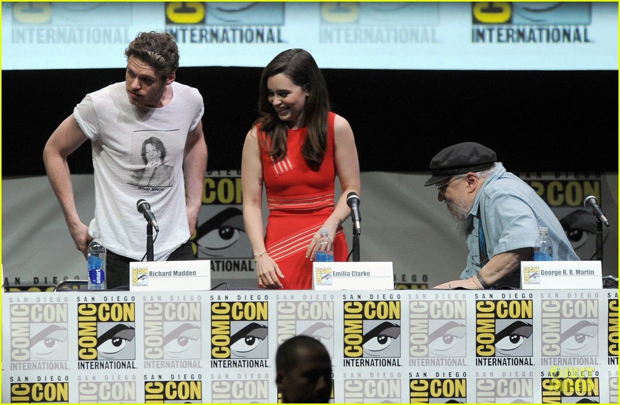 emilia clarke kit harrington game of thrones panel at comic con 052912670