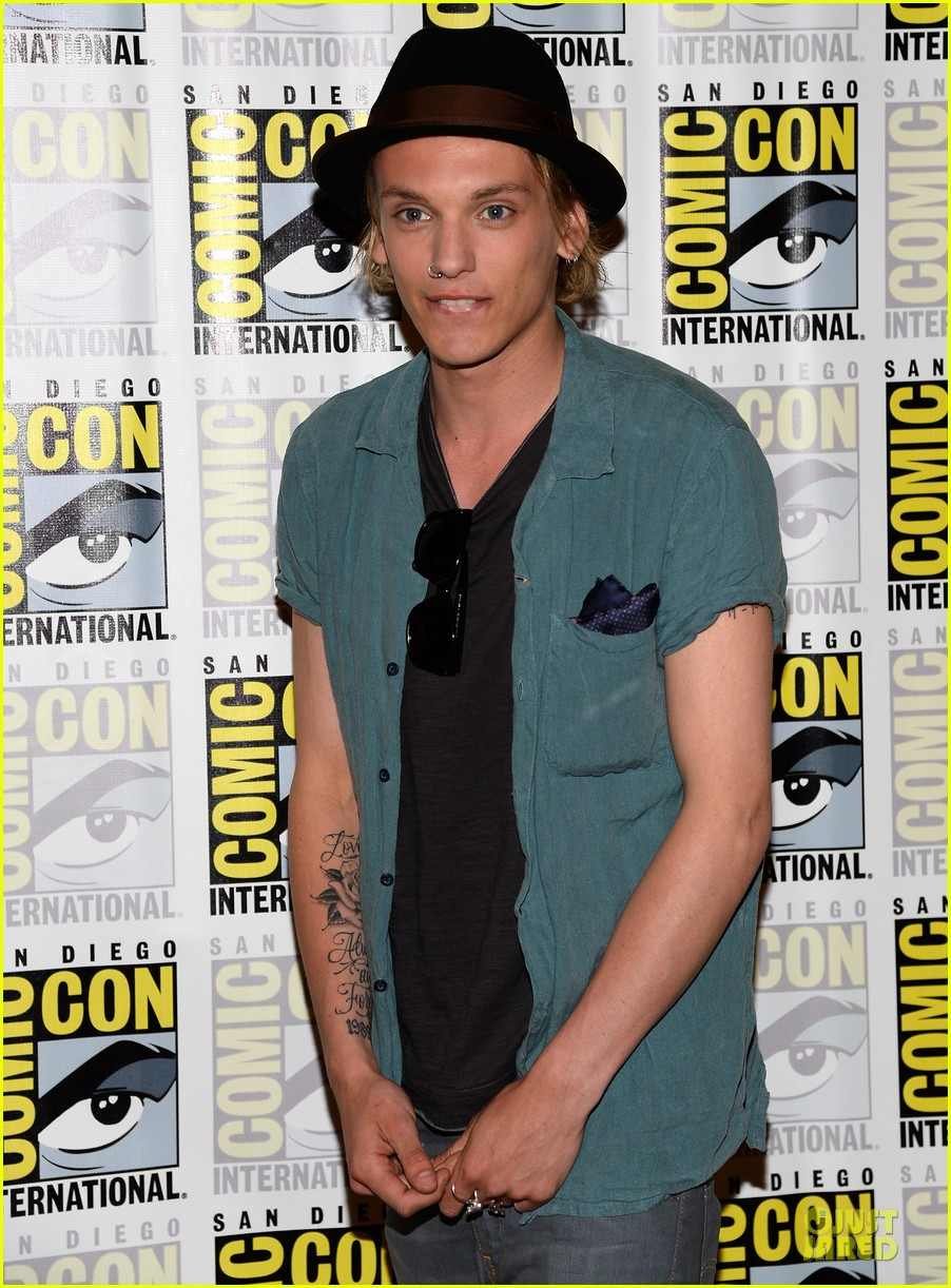 lily collins jamie bower campbell city of bones at comic con 202912493