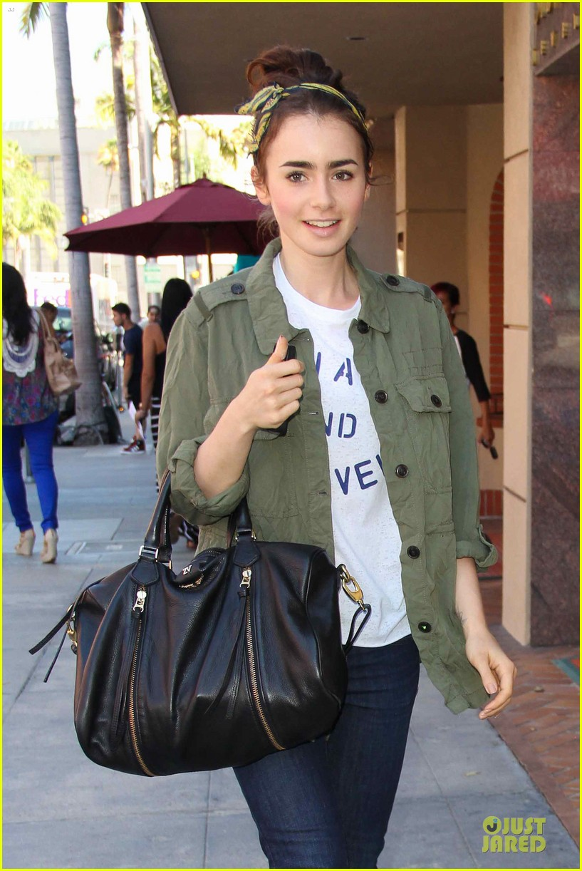 lilly collins mortal instruments promotion at mall of america 022909975