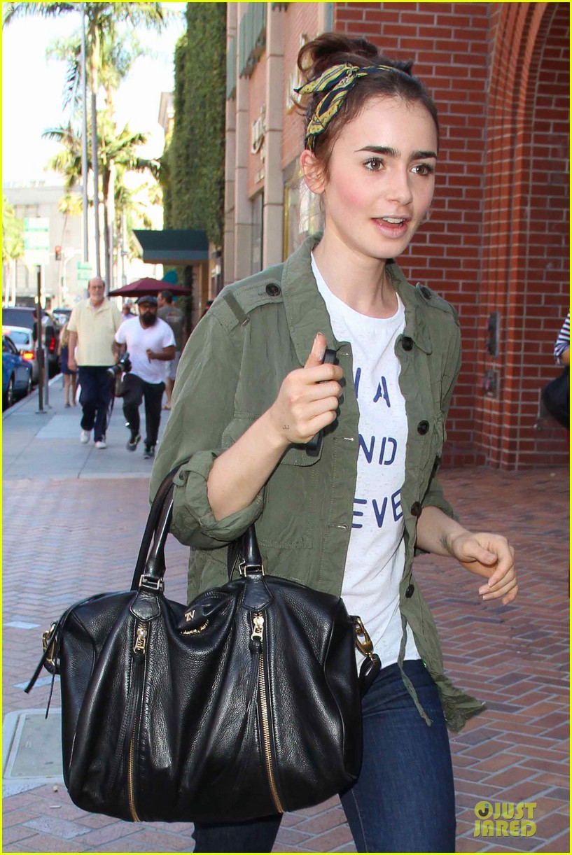 lilly collins mortal instruments promotion at mall of america 042909977
