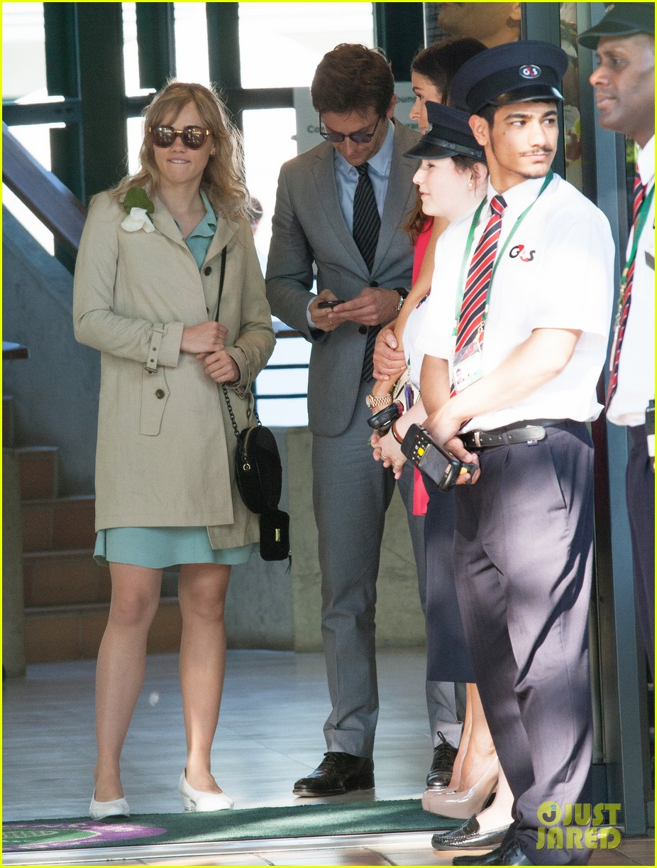 badley cooper suki waterhouse depart wimbledon after andy murray win 05