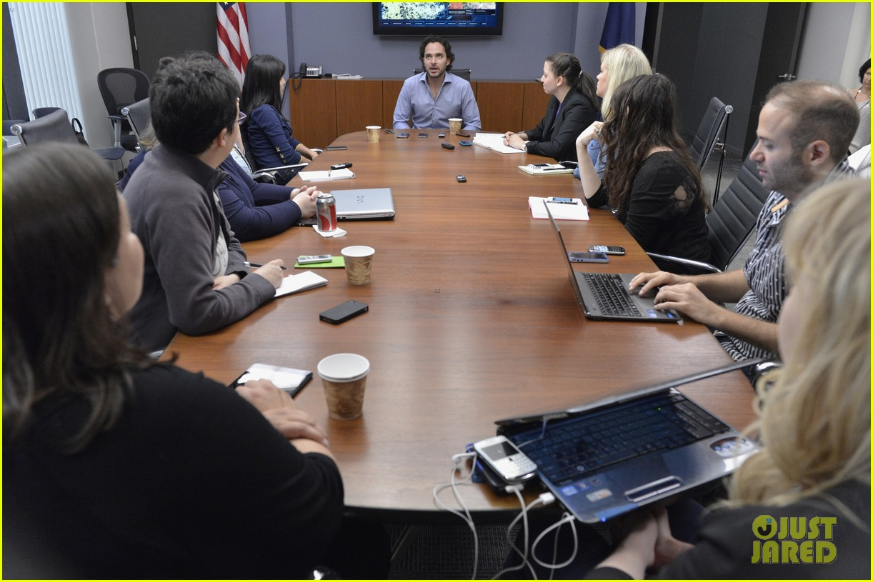 covert affairs season 4 5 things to know just jared set visit 212910115