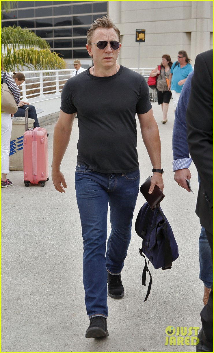 daniel craig lax arrival after australian rugby game 022905631