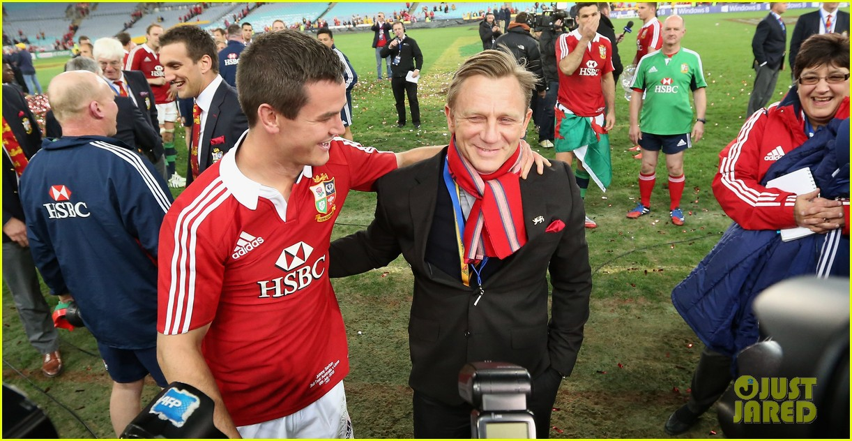 daniel craig lax arrival after australian rugby game 082905637