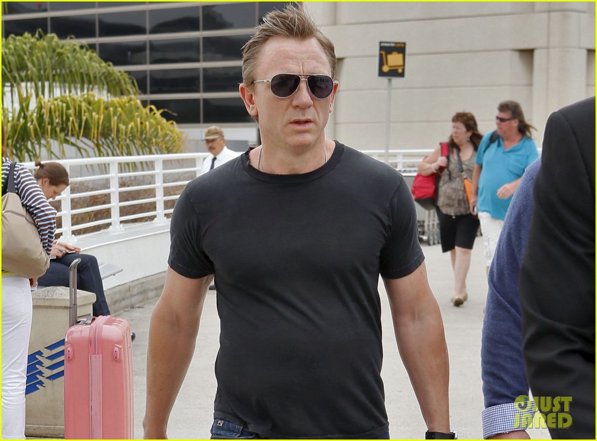 daniel craig lax arrival after australian rugby game 102905639