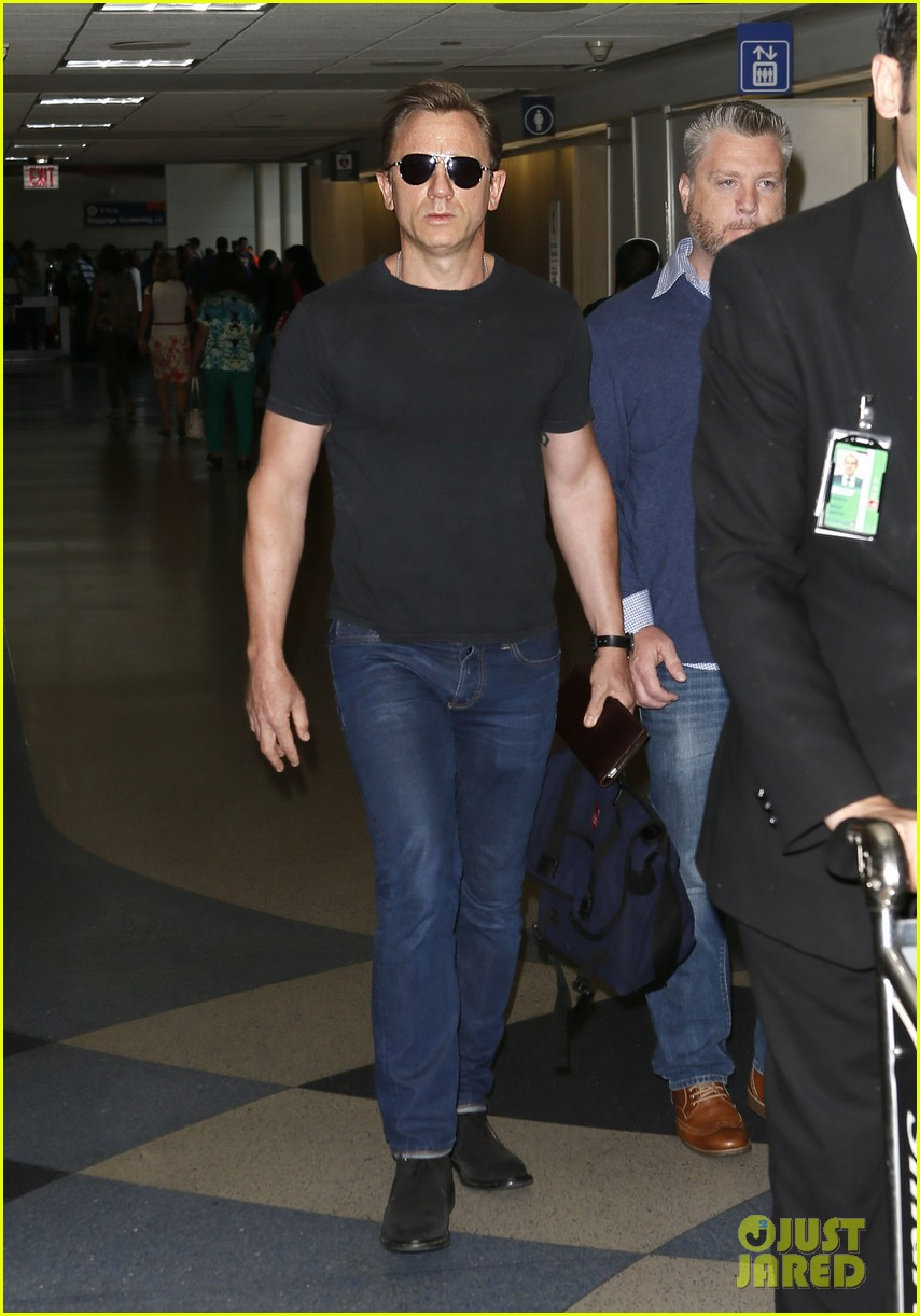 daniel craig lax arrival after australian rugby game 112905640