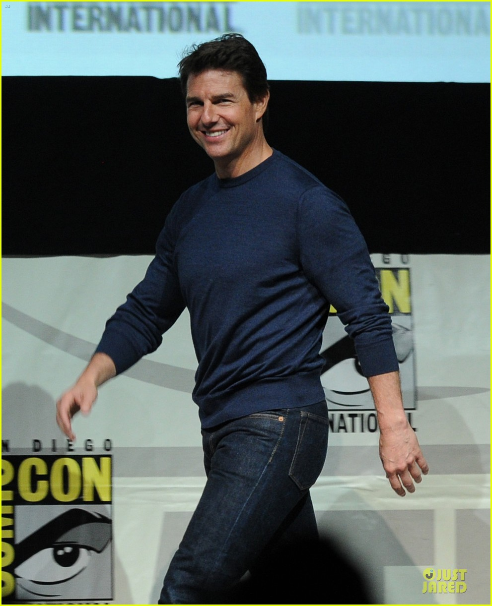 tom cruise emily blunt edge of tomorrow at comic con 112913021