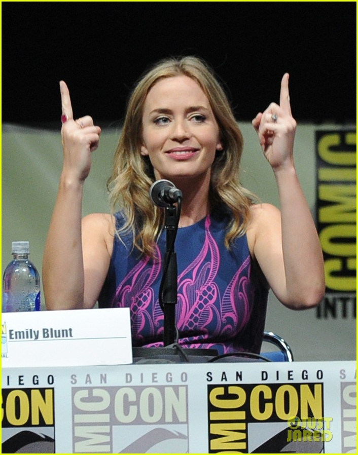 tom cruise emily blunt edge of tomorrow at comic con 122913022